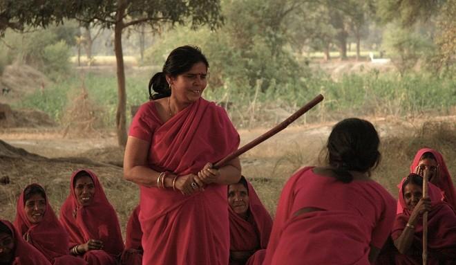Você sabia que existe um grupo independente de defesa de mulheres na Índia?