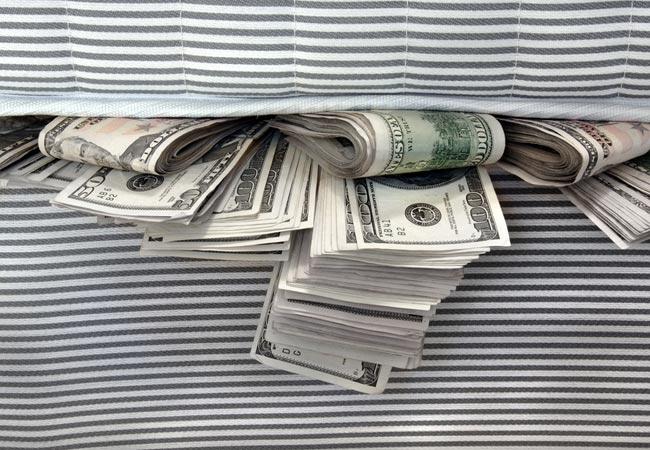 Época NEGÓCIOS - NOTÍCIAS - Crise leva empresa a guardar dinheiro no colchão