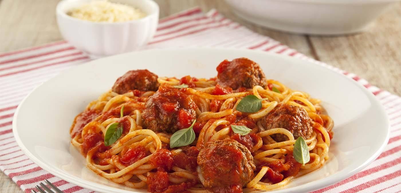 espaguete com almôndegas - Sabores Ajinomoto