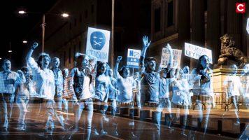 Um protesto com hologramas?