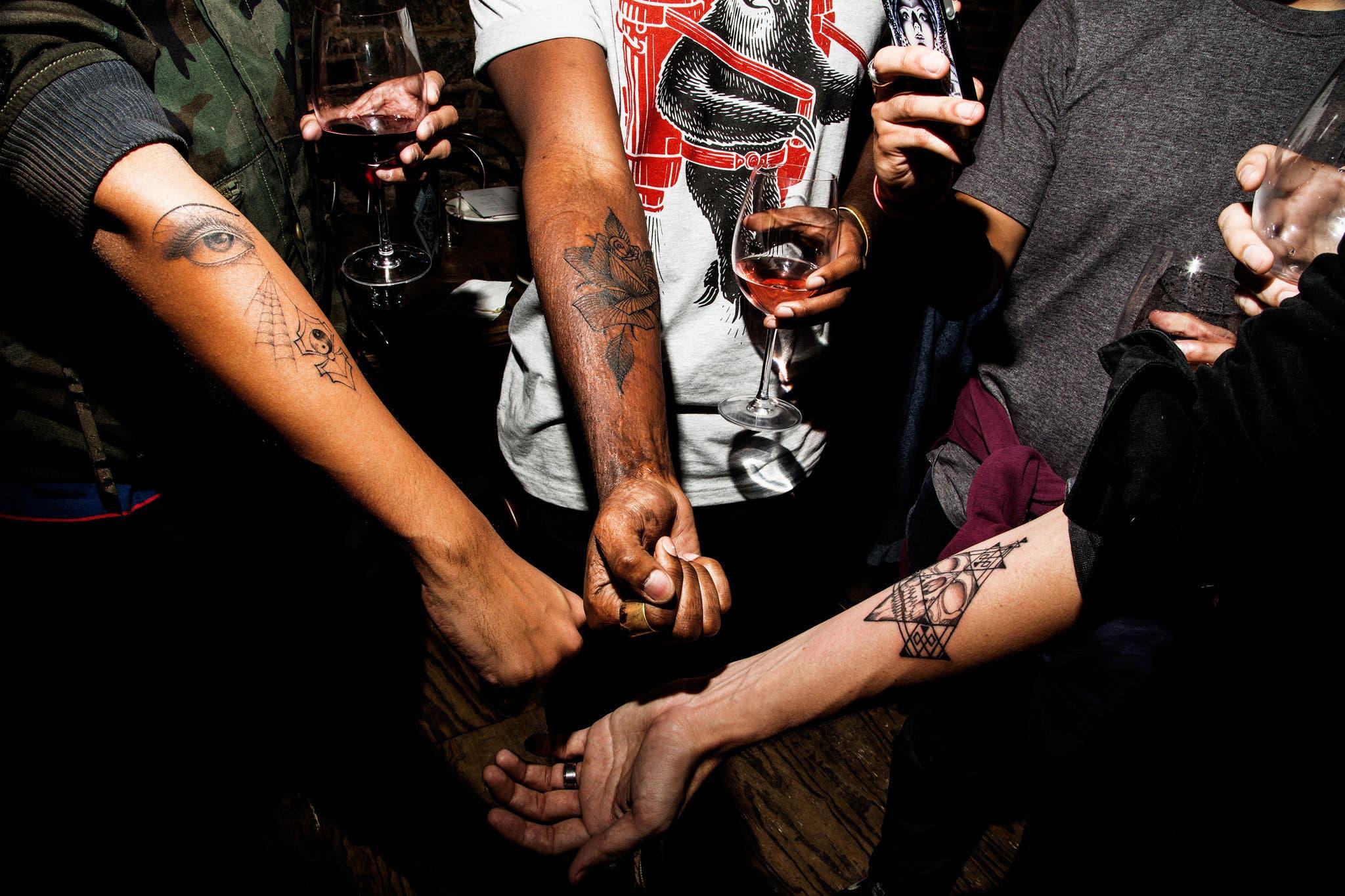 A tatuagem misteriosa de Scott Campbell