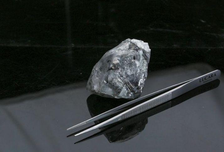 Diamante elástico pode ser usado para fazer LEDs e lasers