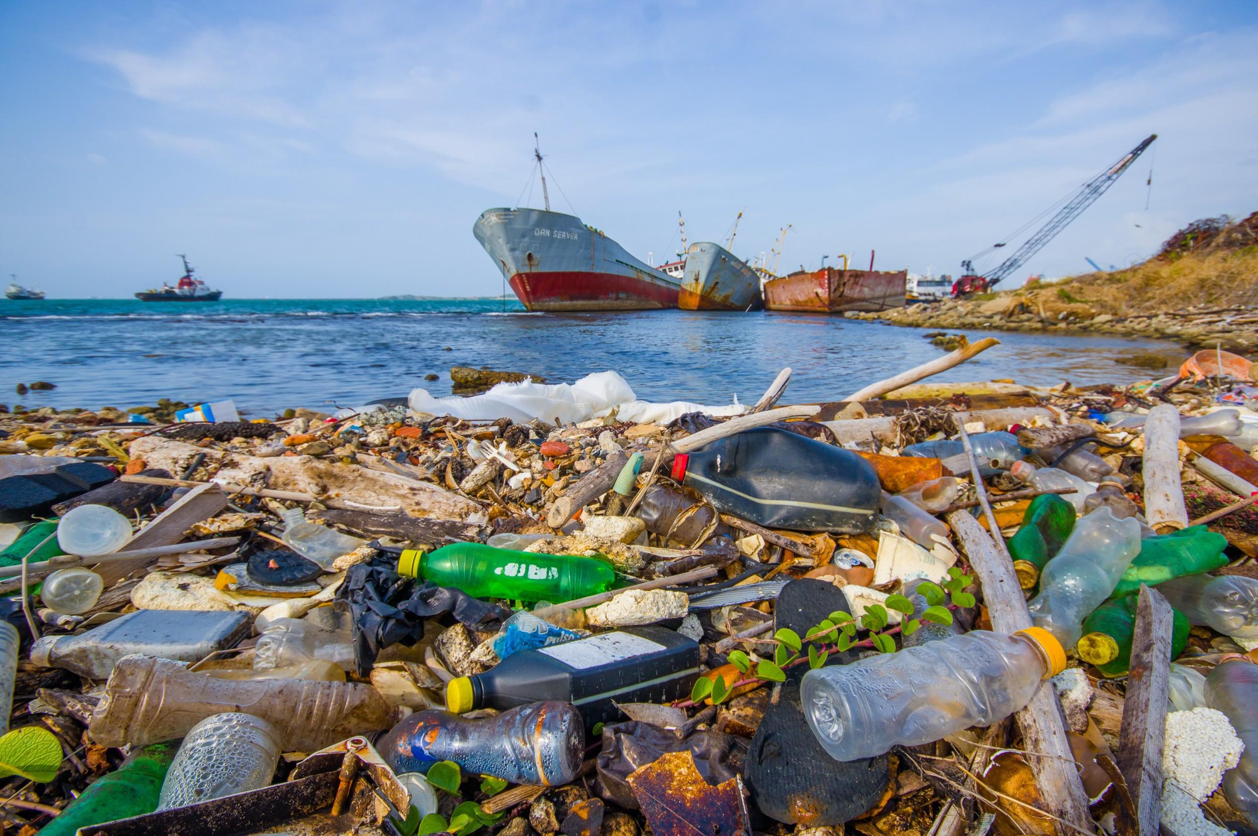 Caixa de lixo flutuante que limpa os oceanos?